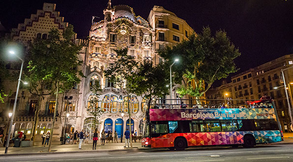Barcelona night tour bus rutas nocturnas transports for Bus barcelona paris barato